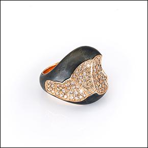 """Kollektion """"Chelléen"""" aus Gold, Diamanten und Eisen"""